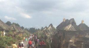 Desa Penglipuran yang selalu ramai